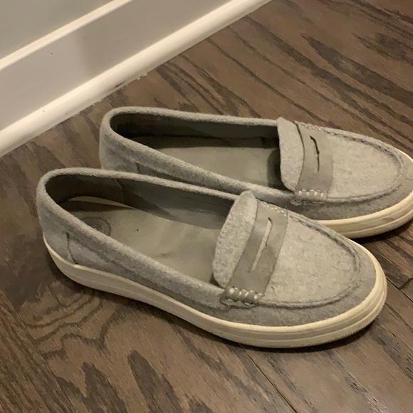 SO gray slip on flats
